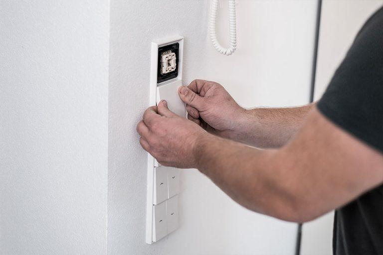 Installationshöhen von Lichtschaltern und Steckdosen im Eigenheim